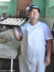 Cienfuegos -- happy baker